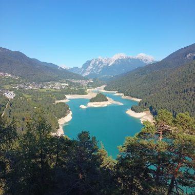 cascata e laghi Cadore nelle Dolomiti